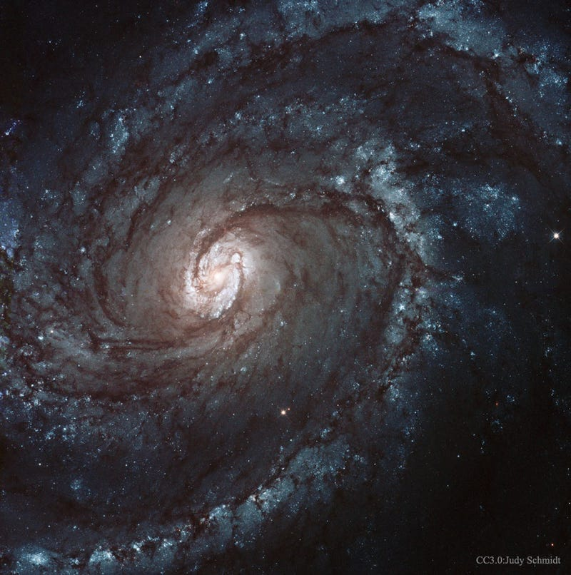 Illustration for article titled Marvel At The Sparkling, Spiraling Majesty Of The M100 Galaxy