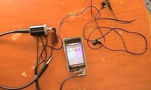 use your ios device as a guitar amp with a diy cable. Black Bedroom Furniture Sets. Home Design Ideas