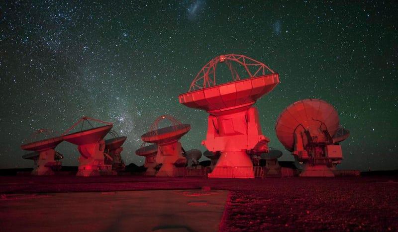 Astrónomos del SETI advierten que enviar mensajes al espacio es potencialmente catastrófico