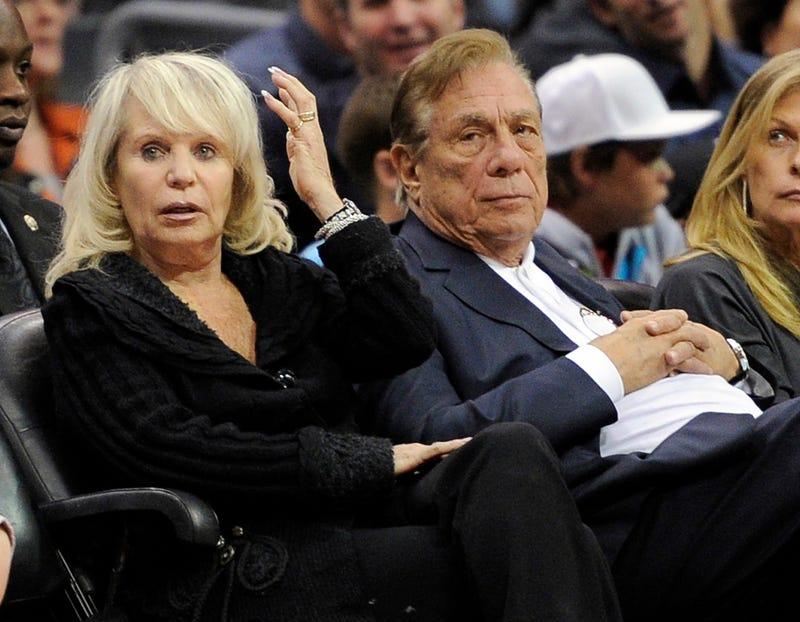 Illustration for article titled Reports: Donald Sterling Steps Aside, Wife To Sell Clippers