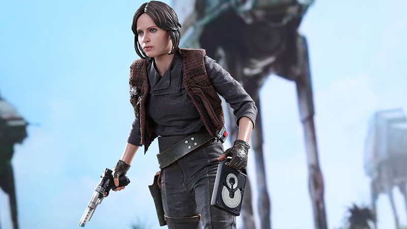 Illustration for article titled Hot Toys' Jyn Erso Comes With Her Own Death Star Plans to Steal