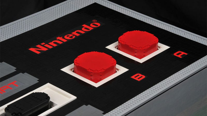 Illustration for article titled Giant Five-Foot NES Controller Is Made Out Of LEGO. And Actually Works.