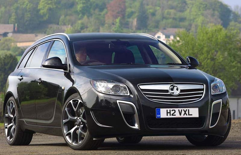Illustration for article titled Vauxhall Insignia Sport Tourer VXR: A Spectacular 320 HP Wagon You Can't Have