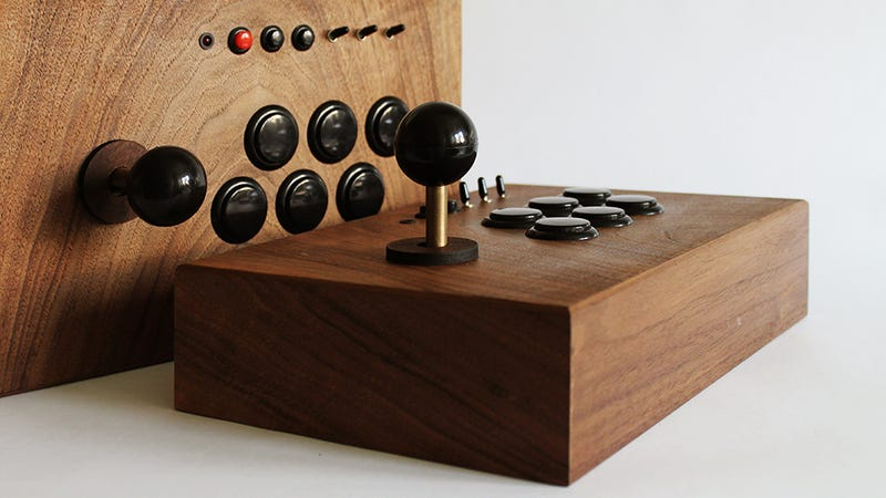 Illustration for article titled 20,000 Classic Arcade Games Deserve a Beautiful Wooden Console System