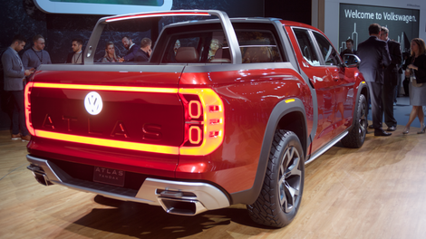The Volkswagen Atlas Tanoak Has A Cool Feature That S Been In Sedans Forever