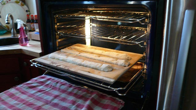 When To Use Light Vs Dark Baking Sheets And Pans
