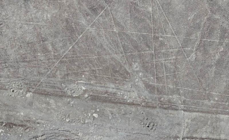 Illustration for article titled Arqueólogos descubren más de 50 nuevas líneas de Nazca ocultas a simple vista en Perú
