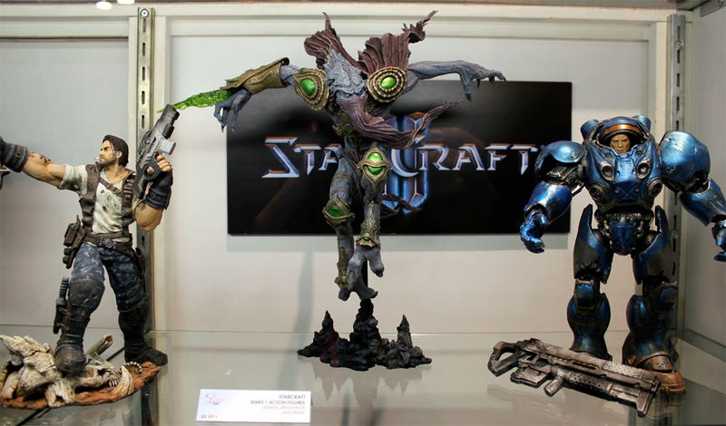Illustration for article titled A Closer Look At DC's StarCraft II & World of WarCraft Toys