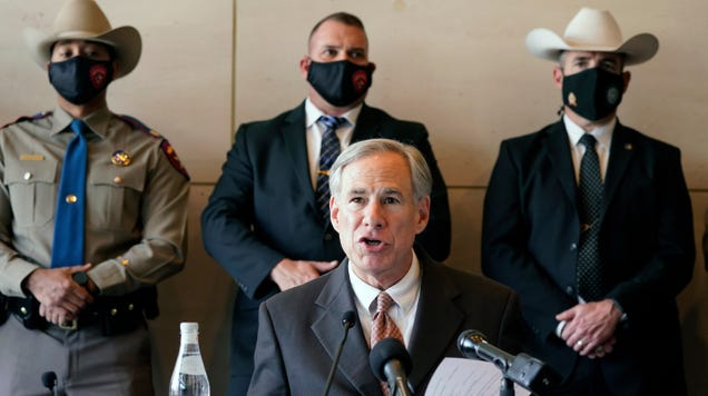 Emails Show Texas Officials Shared Climate Denier s Talking Points During Blackouts