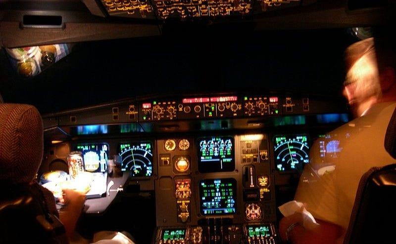 Illustration for article titled Los pilotos robot no son la solución para prevenir desastres aéreos