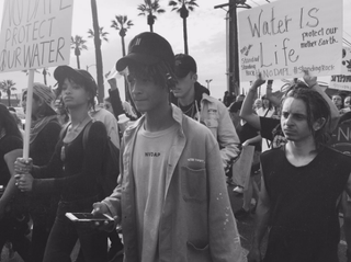 Willow and Jaden Smith march in a #NoDAPL protestJaden Smith via Twitter