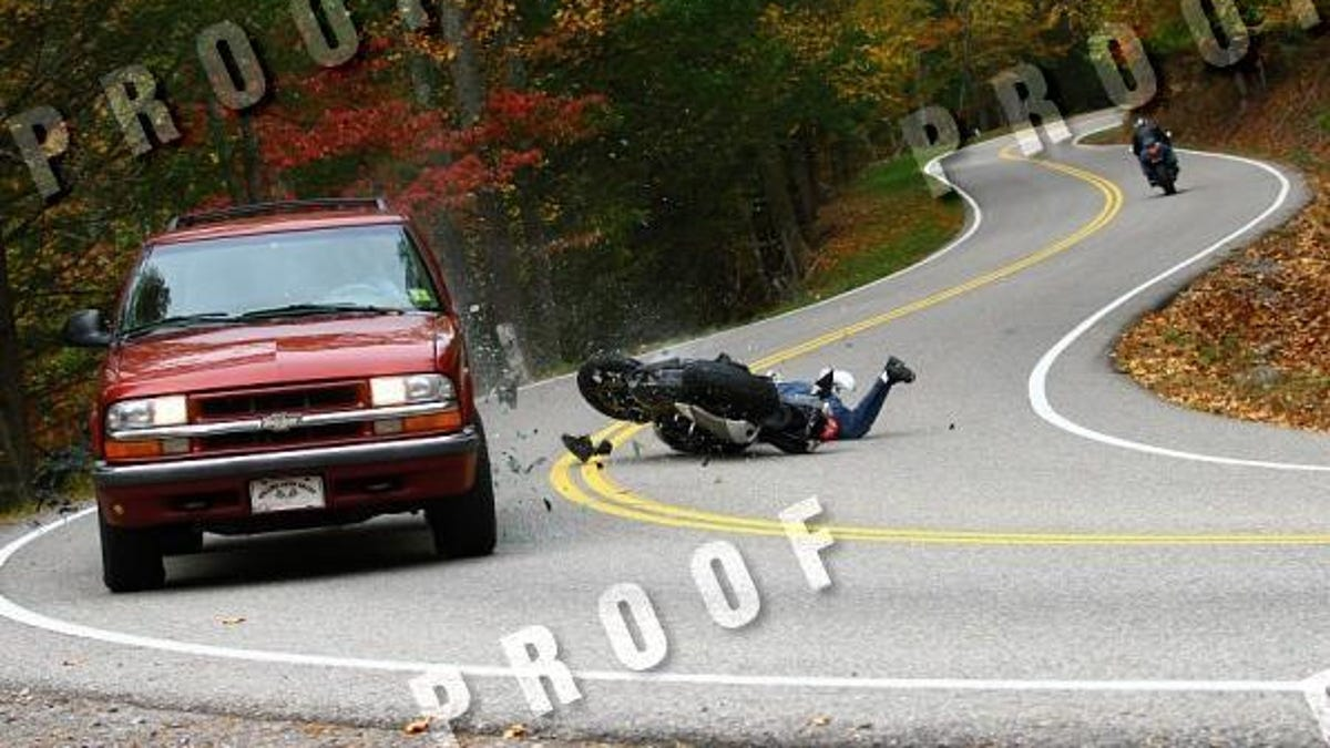Tail Of The Dragon Photos >> Stop Motion Motorcycle Collision On Tail Of The Dragon