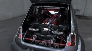 Illustration for article titled Mi hiányzott az 500-as Fiatból? Nyilván egy 570 lóerős Ferrari V8