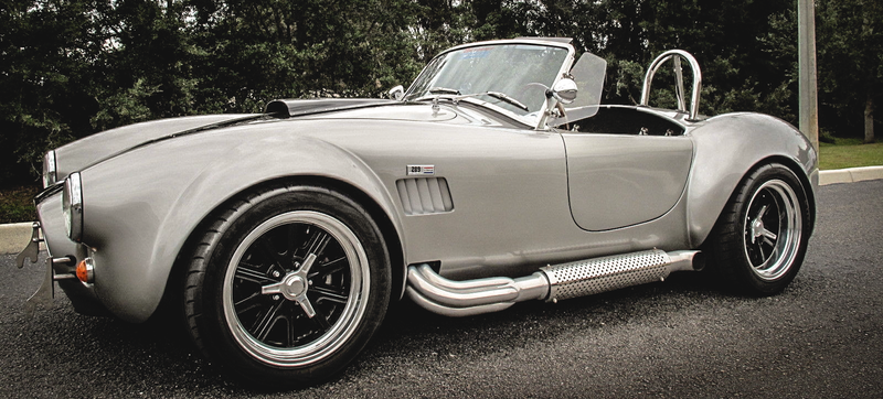 Illustration for article titled You Can Buy This Insane Shelby Cobra For The Price Of A Hateful Minivan