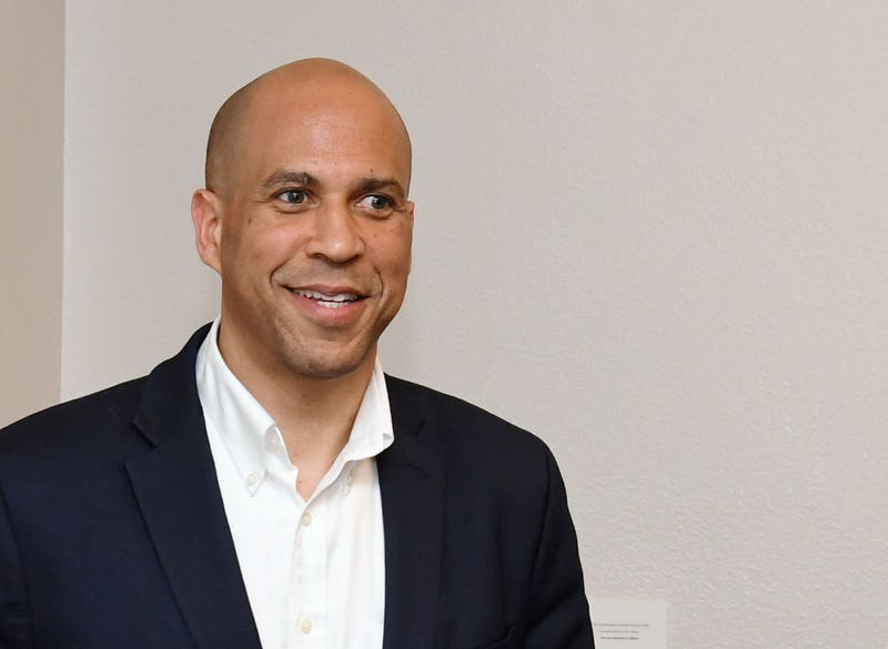 Illustration for article titled Sen. Cory Booker Is Leading All Democratic Presidential Hopefuls in This Category, and It's a Good Look for Him