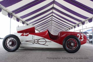 Illustration for article titled Vintage IndyCars Are Extraordinarily Beautiful