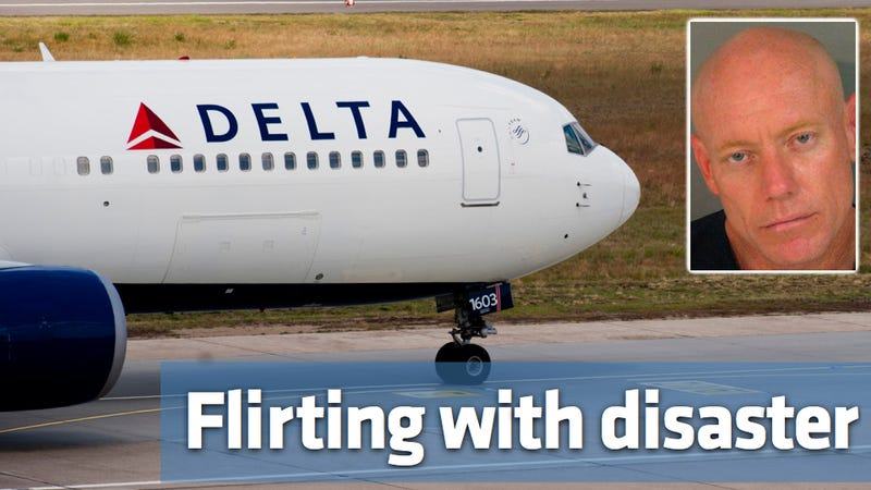 Illustration for article titled How this man flirted his way into a lifetime ban from Delta Airlines