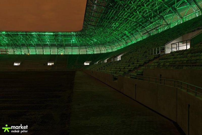 Illustration for article titled Na jó, akkor kiteszek néhány fényképet egy épülő magyar stadionról