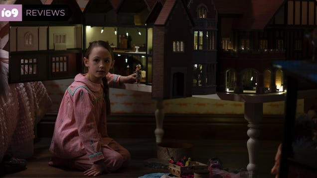 The Haunting of Bly Manor Delivers Spooky Horrors With Surprising Heart