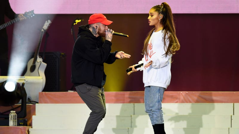 Illustration for article titled Now Ariana Grande Is 'Milking' Mac Miller's Death, According to Internet Trolls Who Won't Shut Up