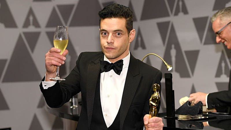 Illustration for article titled Rami Malek is a fan of creepily talking into the camera about things he's a fan of