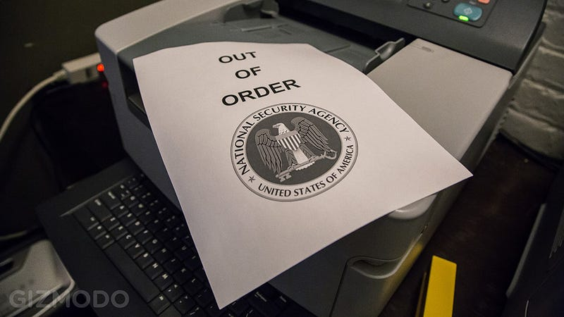 Illustration for article titled The DOD Can't Read Your FOIA Form Because Its Only Fax Machine Broke