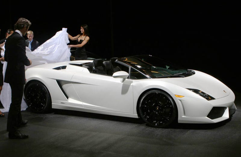 Illustration for article titled Lamborghini Gallardo LP 560-4 Spyder Live Unveil, More Details