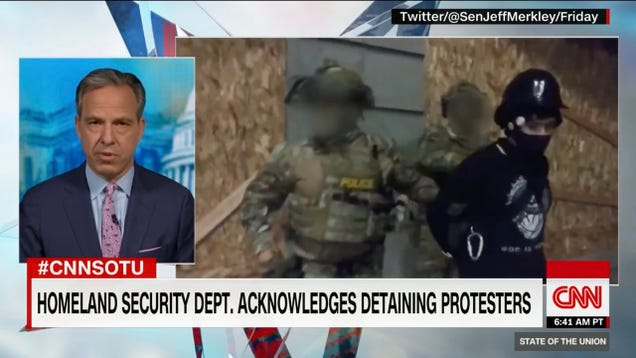 CNN Blurs Faces of U.S. Secret Police in Viral Video