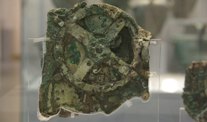 Illustration for article titled The Mysterious Antikythera Mechanism Is More Ancient Than We Thought