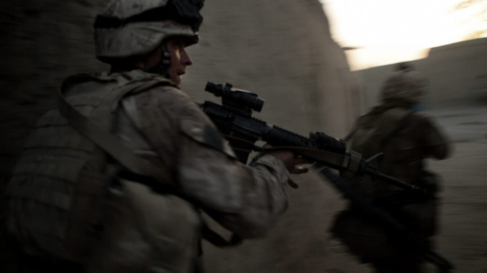 High Definition War Footage Taken with Canon 5D Mark II