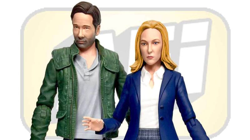 Illustration for article titled Here Are Your New Almost Mulder and Scully X-Files Figures