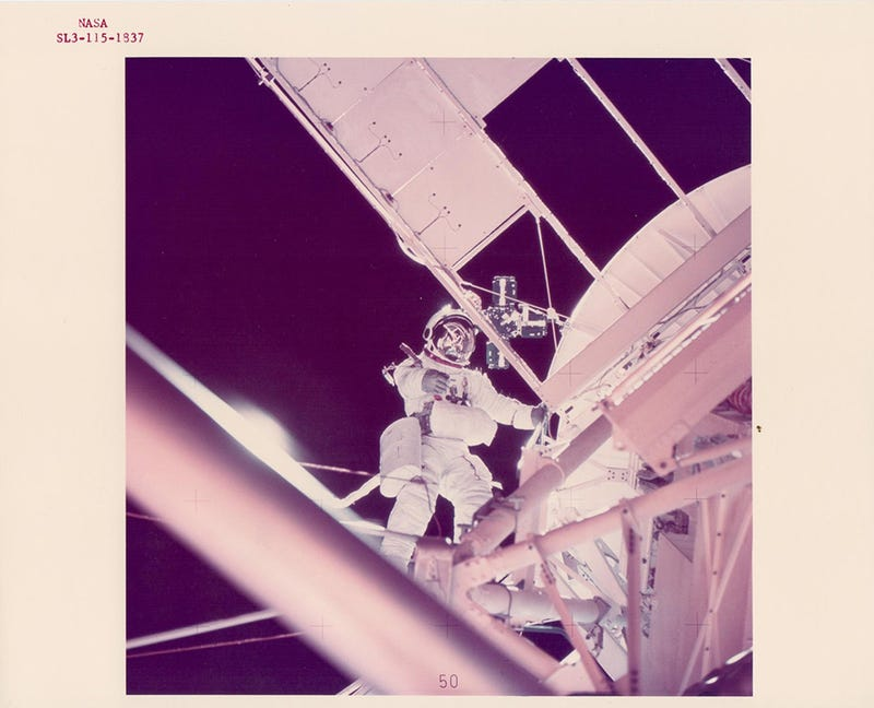 Illustration for article titled 17 Vintage NASA Photos of Exploration in the Space Age