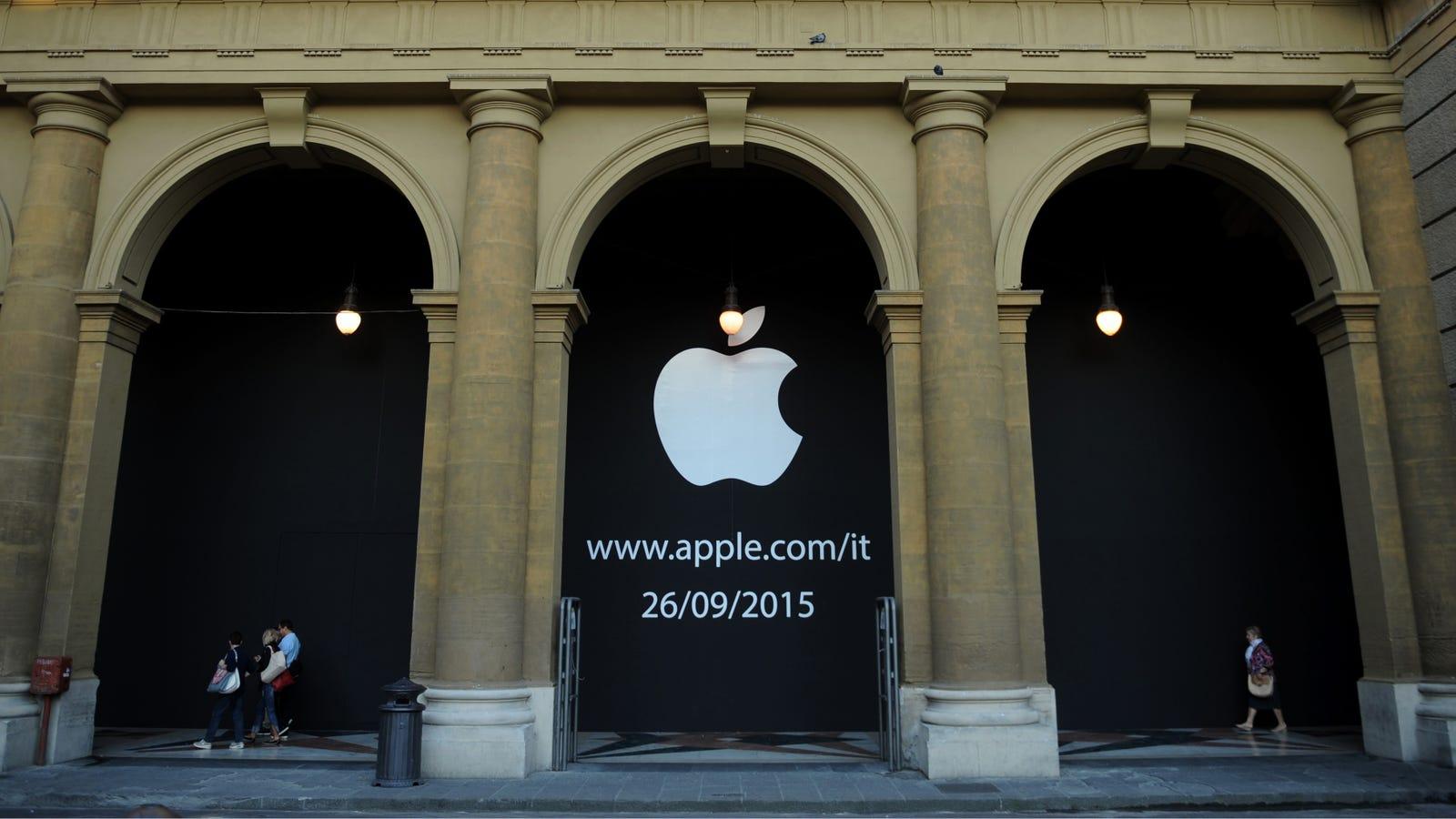 Despite Tim Cook's Trashtalking, Apple Will Pay Italy $348