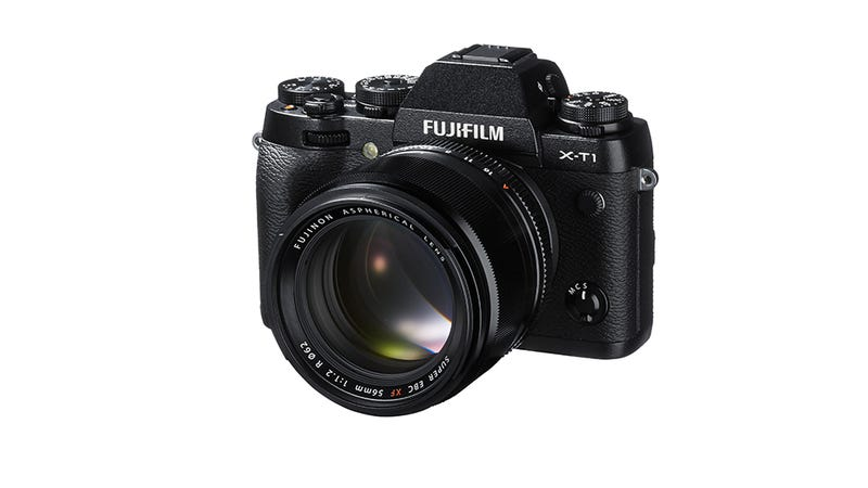 Illustration for article titled Fujifilm X-T1: Retro Style Camera Design Meets Future Features You Want