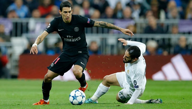 Illustration for article titled Ángel Di María Breaks Isco's Ankles, Snatches His Soul