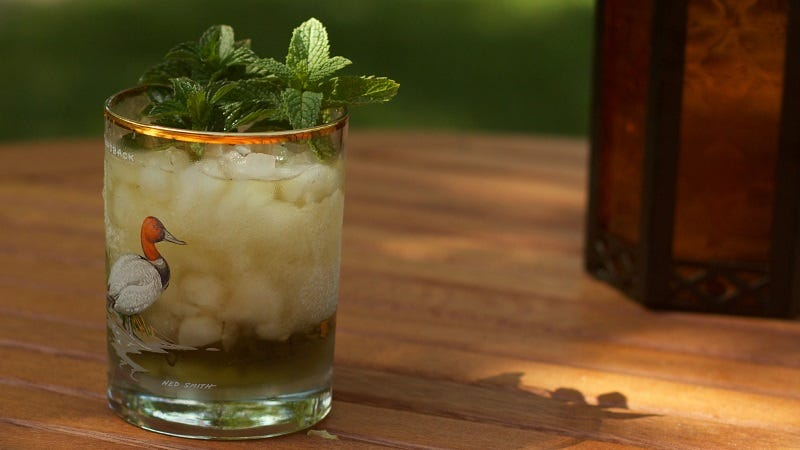 Illustration for article titled Make a Better Mint Julep by Rubbing the Glass With Mint Leaves First