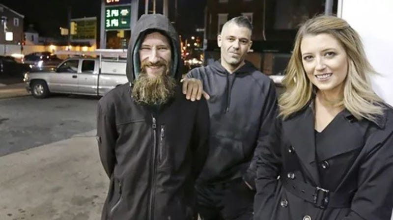 Illustration for article titled Couple and Homeless Man Said to Have Made Up Story Behind $400,000 GoFundMe Campaign (UPDATE)