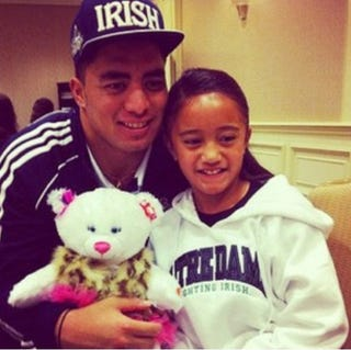 Illustration for article titled Here's A Photo Of Manti Te'o With Ronaiah Tuiasosopo's Sister The Night Before The Notre Dame-USC Game