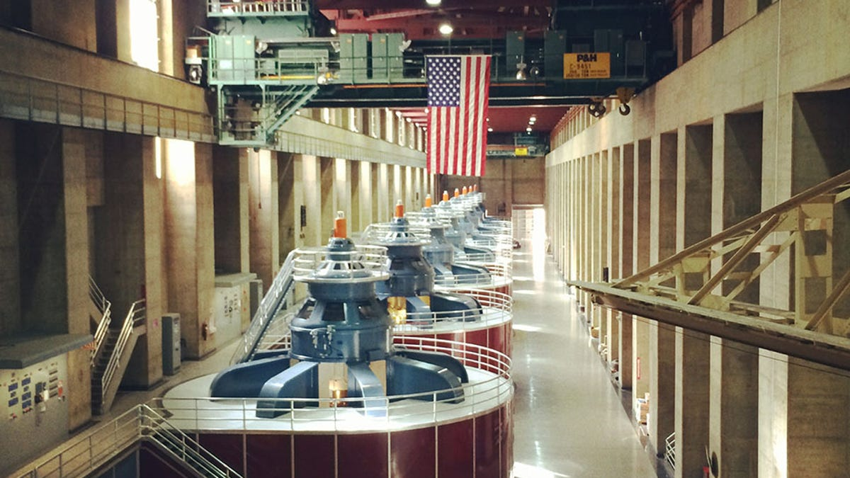 Hoover Dam Is a Super-Gadget That Keeps the Lights in Vegas