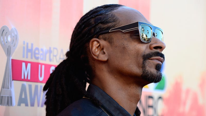 Snoop Dogg Loves Game Of Thrones Thinks Its Based On Real Life