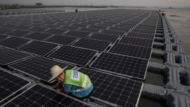 As World Burns, Clean Energy Growth Stalls for First Time in Nearly Two Decades