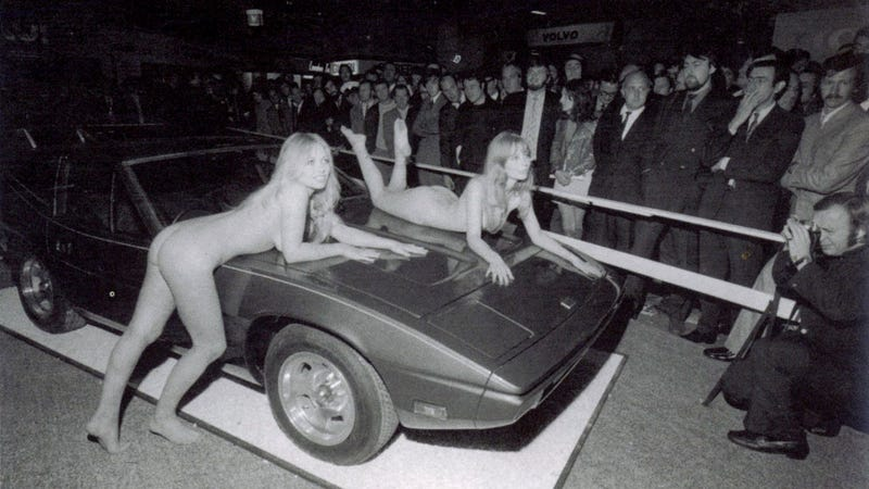 Illustration for article titled Dear GM, The Corvette Stingray Debut Was Notably Short On Nudity (NSFW!)