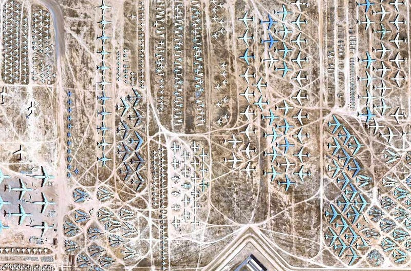 Illustration for article titled Google Earth's View of the Boneyard, Where Planes Go to Die