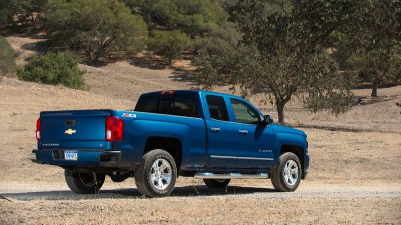 Illustration for article titled GM To Start Building Carbon Fiber Truck Beds: Report
