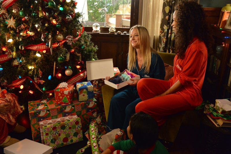 """Switched At Birth: """"Yuletide Fortune Tellers"""" / The Fosters ..."""