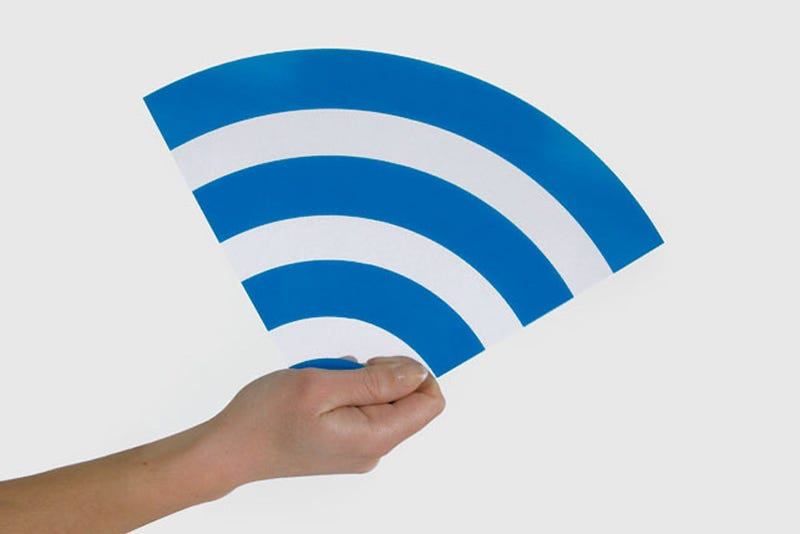 Illustration for article titled Windows 7's Virtual Wi-Fi Turns One Wireless Adapter Into Many for Easy Sharing, Hotspot Double-Tapping