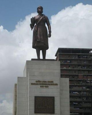 Statue of Queen Njinga in Luanda, AngolaWikimedia Commons