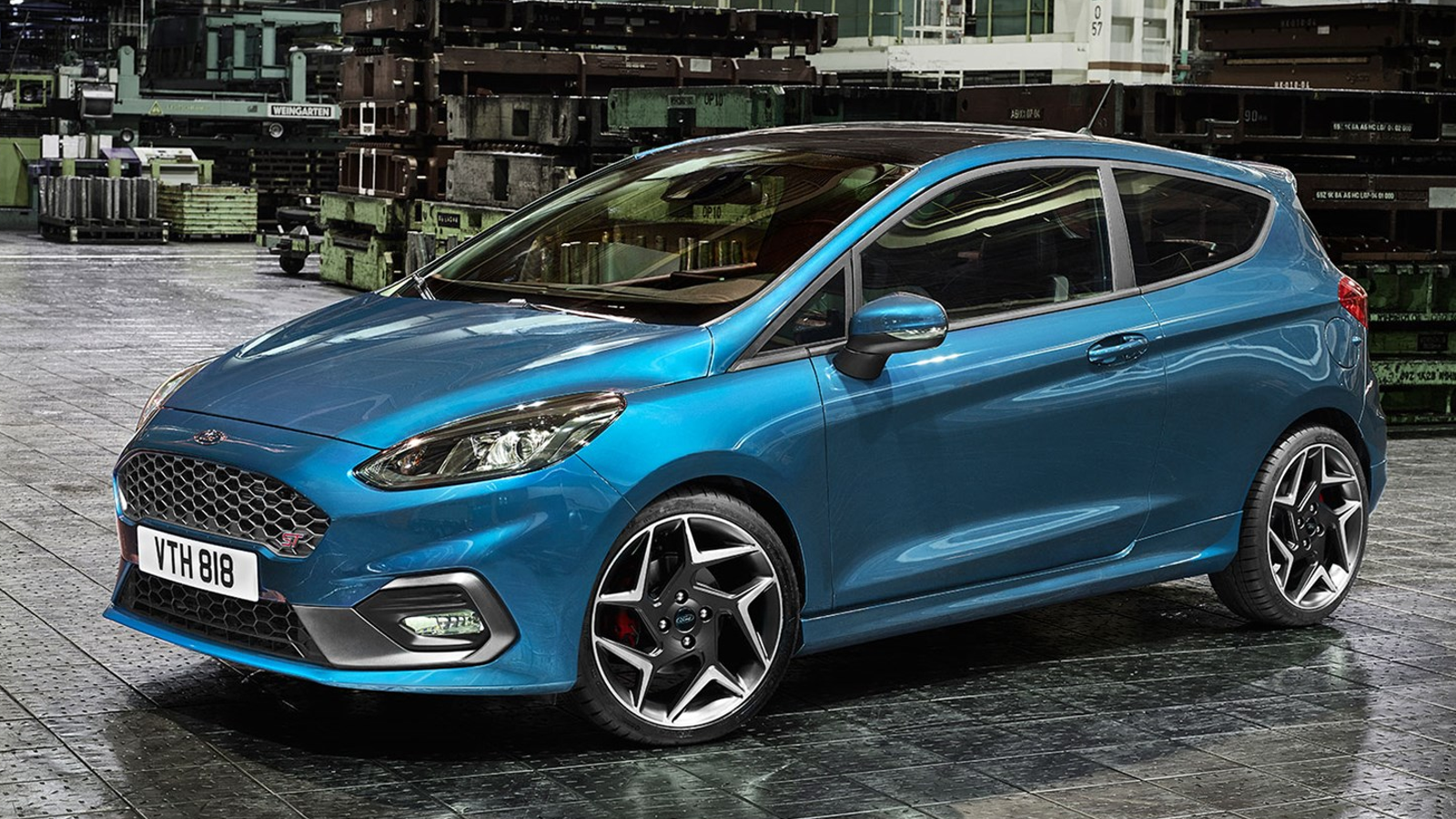 the 2018 ford fiesta st is your new three cylinder turbo demon hatch. Black Bedroom Furniture Sets. Home Design Ideas