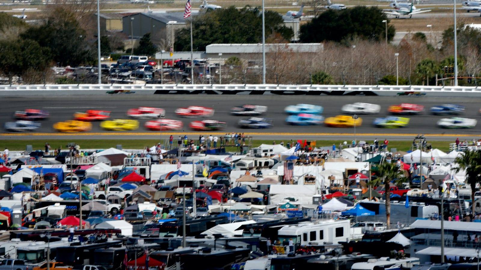 abandon all hope here is how nascar is chopping up the daytona 500 into 39 stages 39. Black Bedroom Furniture Sets. Home Design Ideas