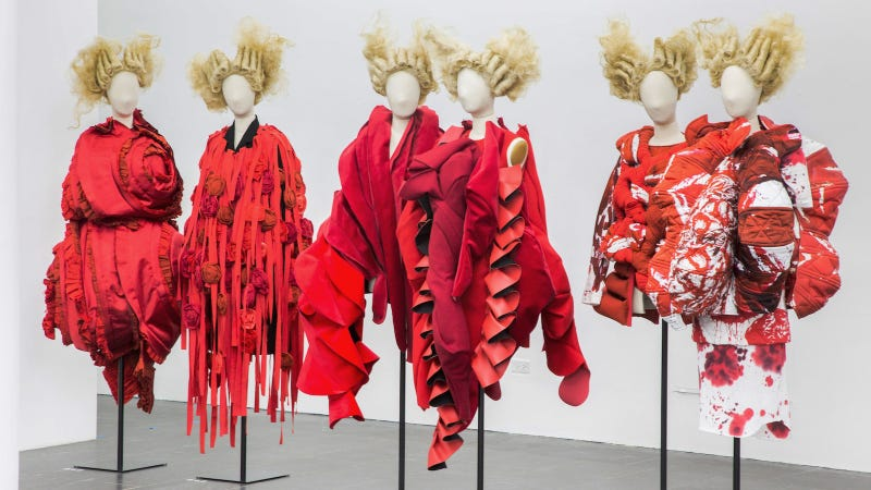 Rei Kawakubo, War / Peace. Images courtesy Metropolitan Museum of Art